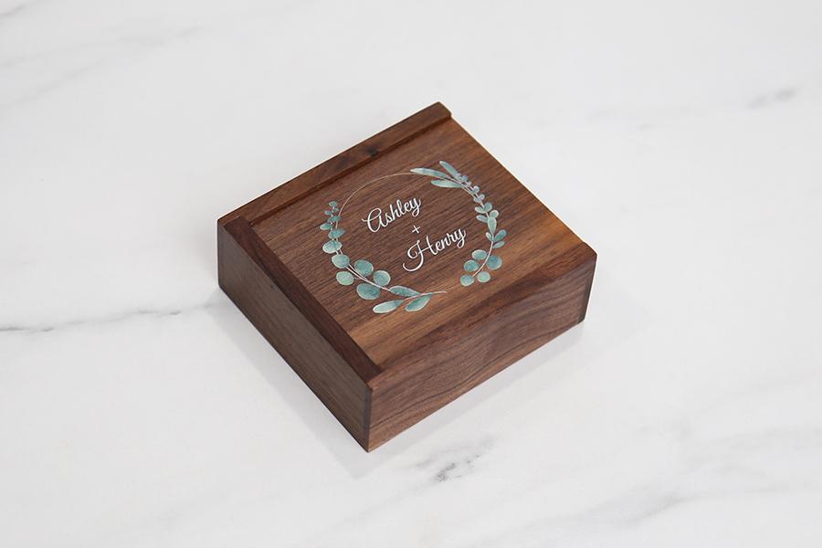 Tyndell Walnut USB Box